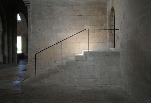 monastery abbey silvacane