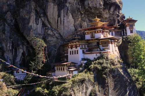 monastery tiger nest buddhists