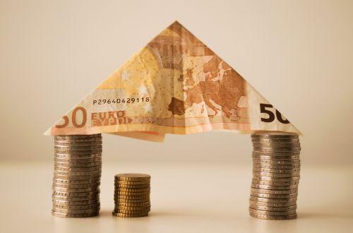 money finance house