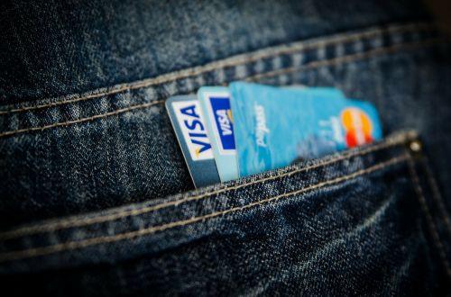 pinigai,kortelė,verslas,kišenė,viza,mastercard,apsipirkimas,pirkti