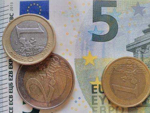 money euro finances