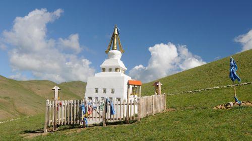mongolia steppe stupa