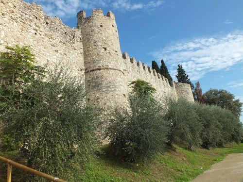 moniga del garda garda castle