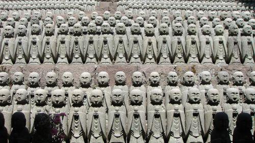 vienuoliai,šventykla,melstis,Japonija