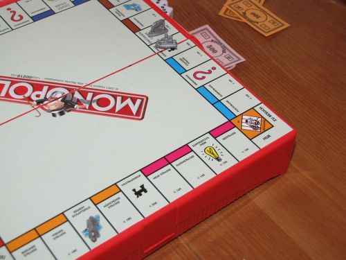 monopoly play sociable