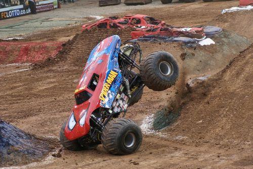 Monster Truck,šokinėti,ekstremalios,sportas,automobilis,Saunus,4x4,offroad,sunkvežimis,transporto priemonė,monstras,žmogus-voras