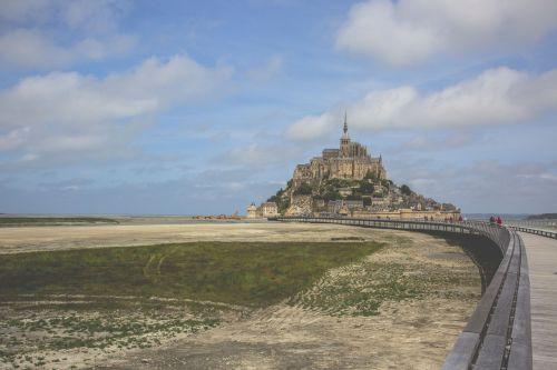 mont saint michel bay promontory