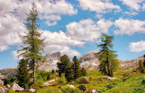 monte averau  passo falzarego  mountains