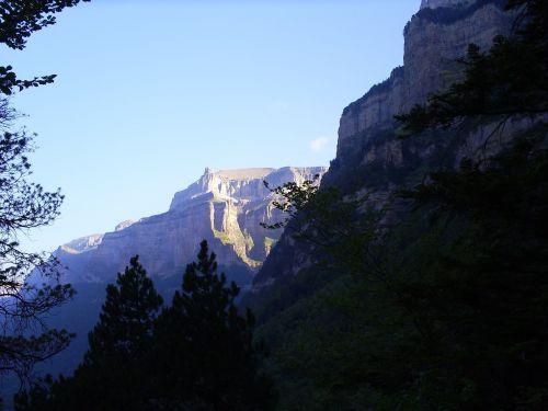 monte perdido pyrenees nature