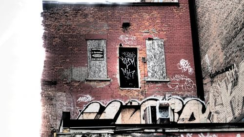 montreal graffiti decay