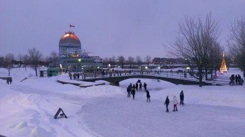monrealis,naktis,ledo čiuožykla,sezonas,balta,šaltas,ledas,sniegas,žiema,šaltis,snieguotas,sušaldyta,lauke,oras,sniegas,Saunus,ledinis,sniegas,blizzard,sniegas