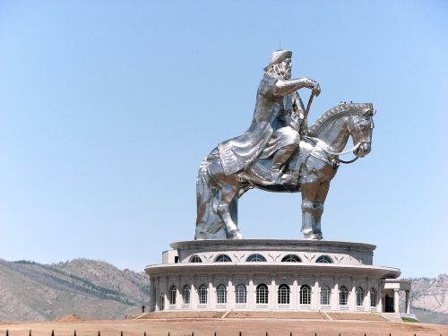 monument genghis khan the horse