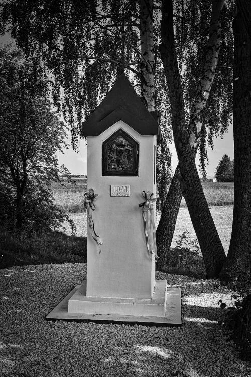 monument religious stone