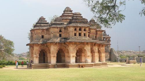 monument history travel