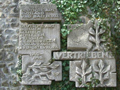monument stone distributors