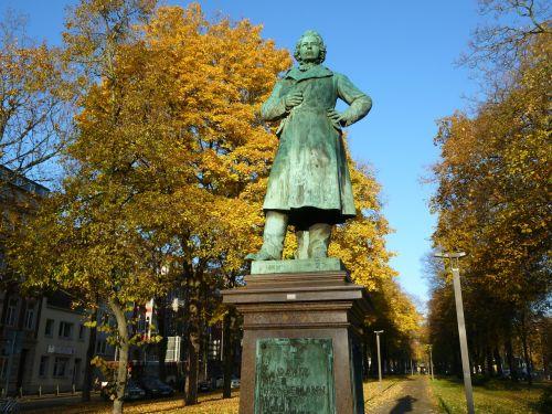 monument david hans man aachen