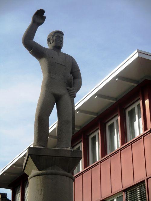 monument statue landmark