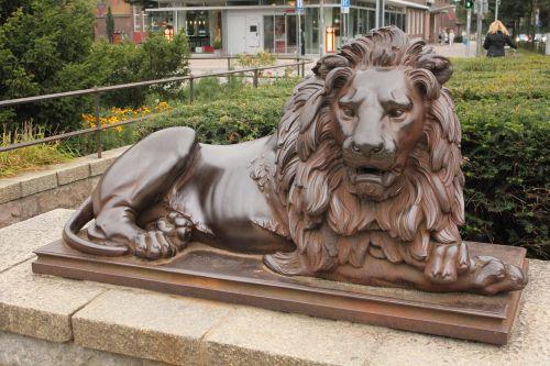 monument stone lion landmark