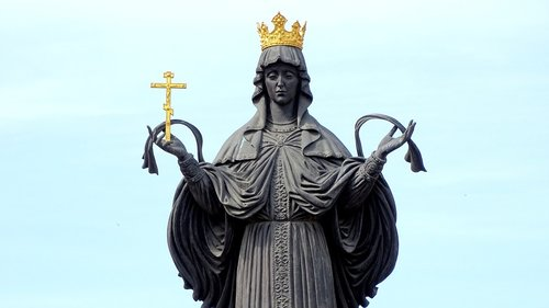 monument to catherine the  statue  history