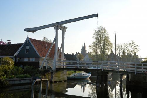Monumental Bridge