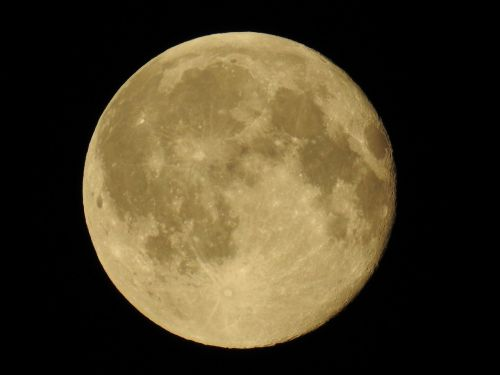 moon close full moon