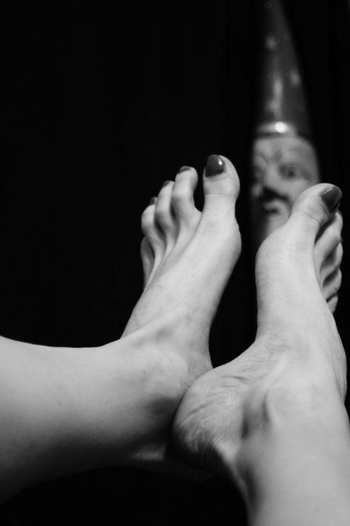 Moon Feet