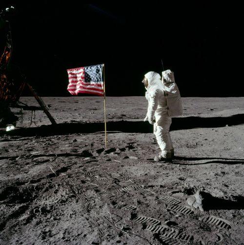 moon landing buzz aldrin america