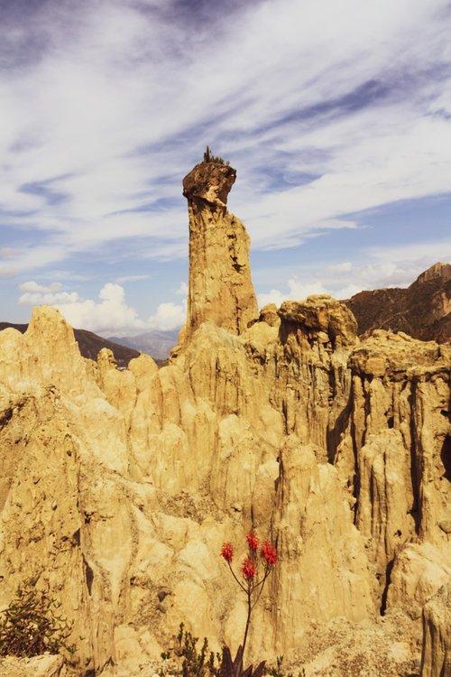 moon valley  la paz  cliff