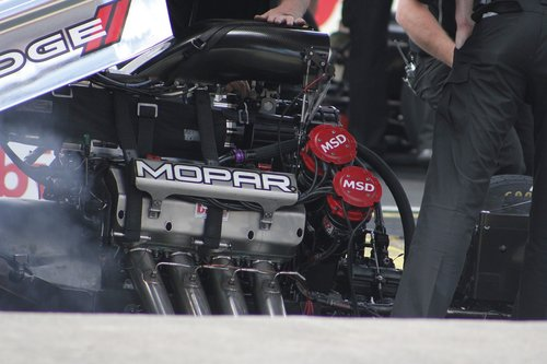 mopor  drag  car