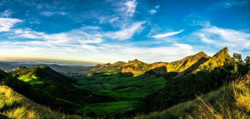 rytas,saulėtekis,saulė,gamta,kraštovaizdis,dangus,saulės šviesa,šviesa,lauke,saulės šviesa,kelionė,mėlynas,natūralus