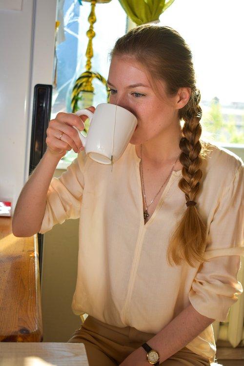 morning  girl  tea