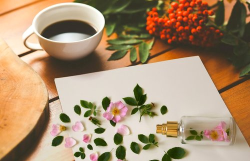 morning  perfume  romantic