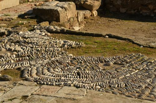 mosaic roman motive