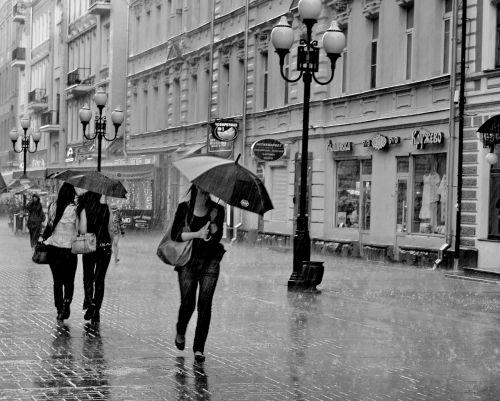 moscow arbat street rain