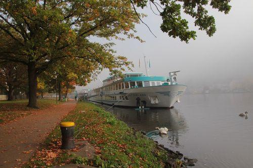 mosel ship river