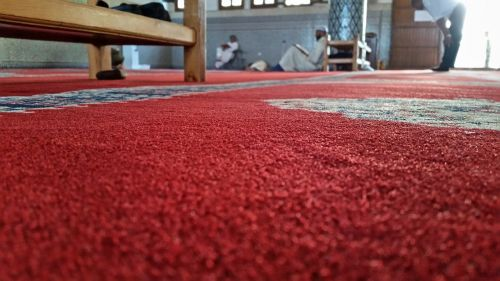 mosque carpet red