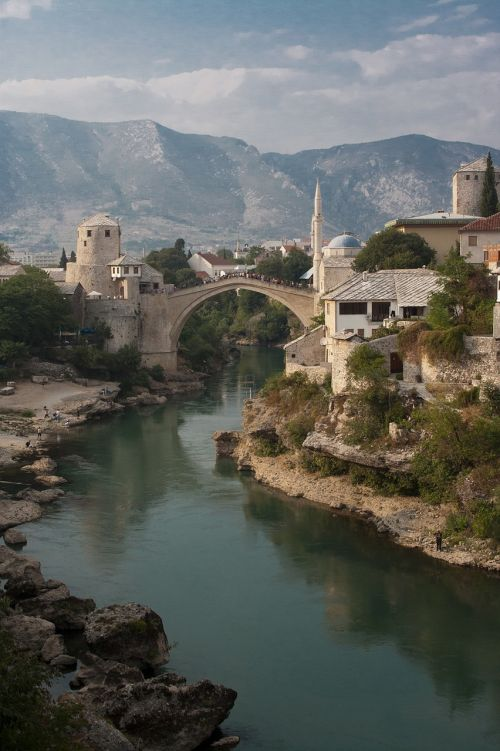 mostar bridge bosnia and herzegovina