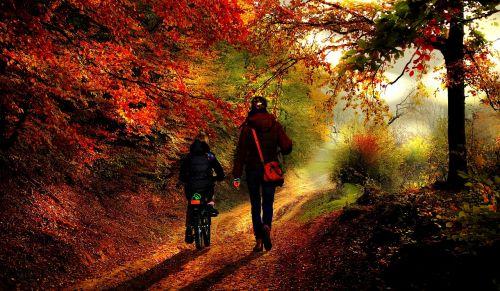 mother daughter autumn