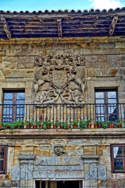 motif stone balcony