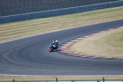 moto races ride