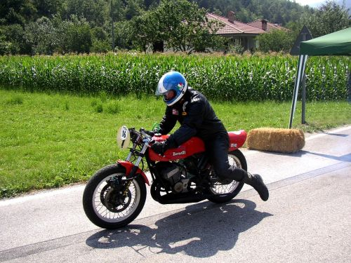 moto benelli race