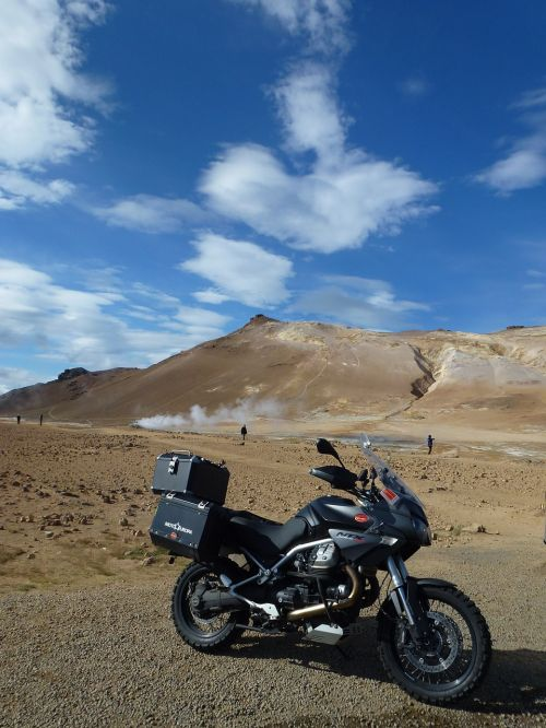 moto moto guzzi iceland