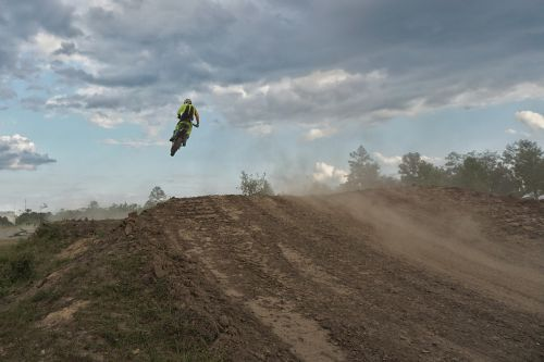 motocross ramping jump