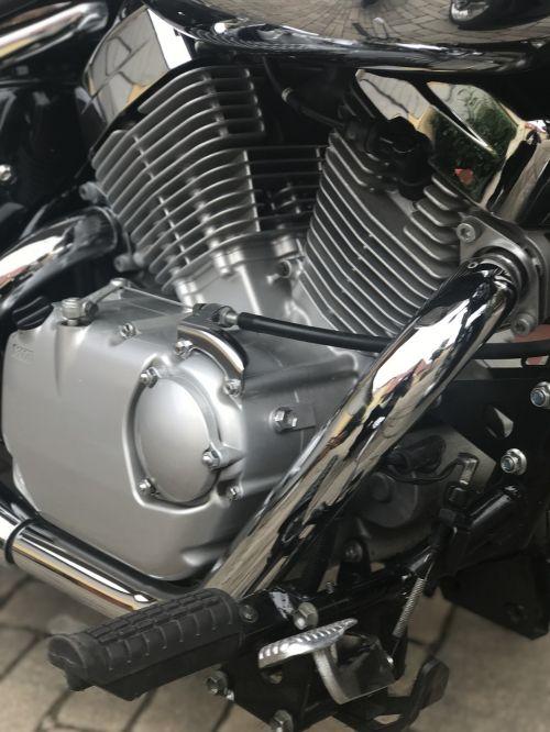 motor 2 cylinder suzuki