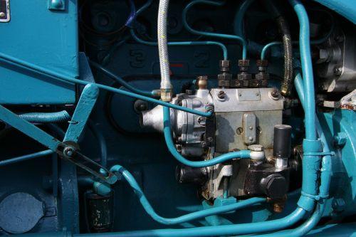 motor blue tractor