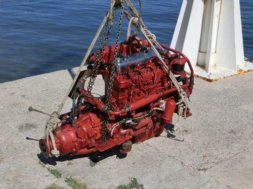 motor marine engine red
