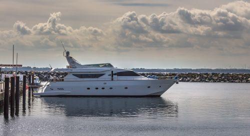 motor yacht yacht speedboat