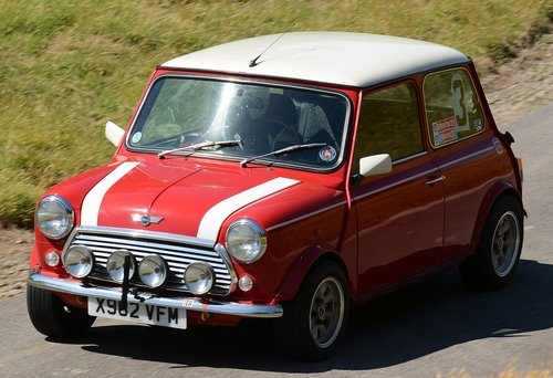 motorcar  mini  hillclimb