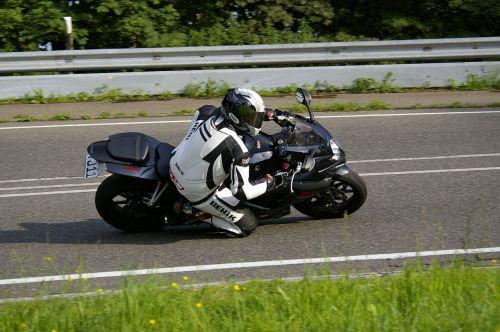 motorcycle knee grind suzuki
