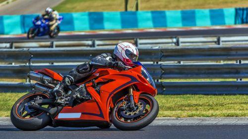 motociklas,galia,greitis,greitai,varzybos,sportas,lenktynės,lenktynės,motociklų lenktynės,lenkti
